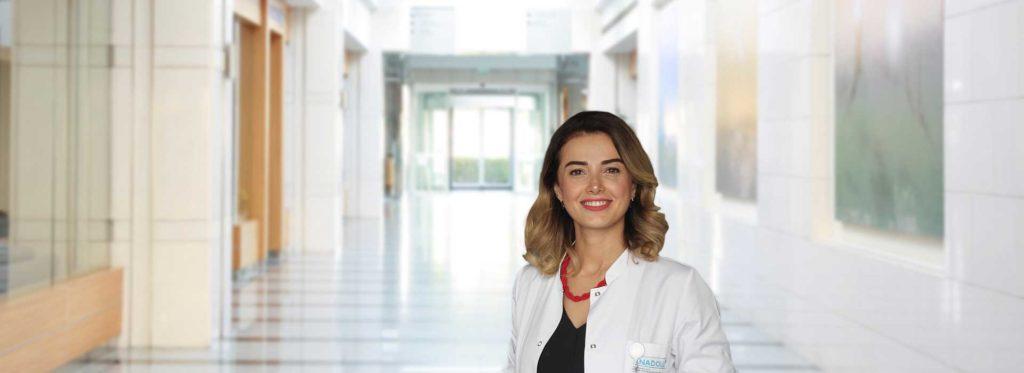 Anadolu Sağlık Merkezi Deri Hastalıkları Uzmanı Dr. Kübra Esen Salman