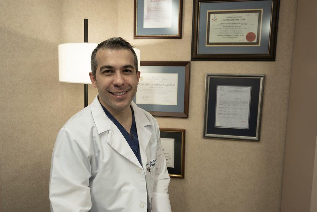 Plastik,Rekonstrüktif  ve Estetik Cerrah Doç. Dr. Karaca Başaran