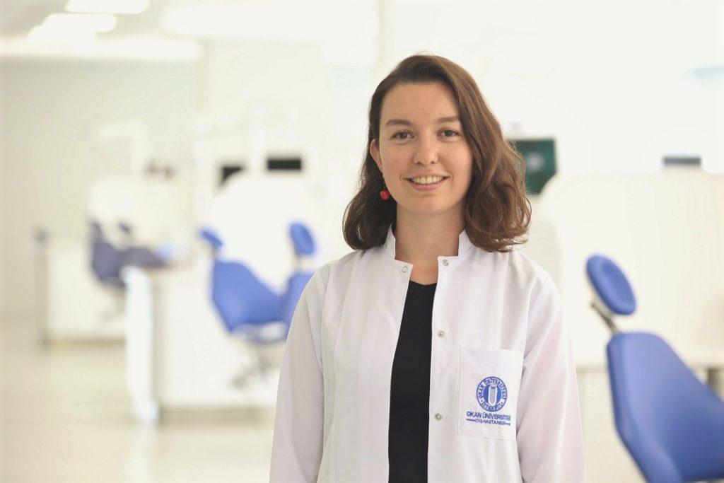 İstanbul Okan Üniversitesi Diş Hastanesi Periodontoloji Bölümü'nden Dr. Öğr. Üyesi Süheyla Kaya