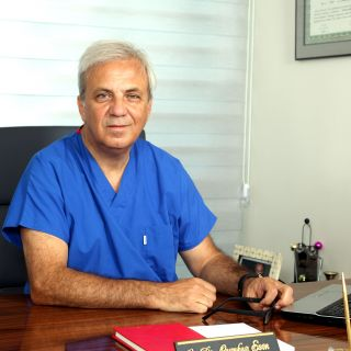 Op. Dr.Cumhur Esin